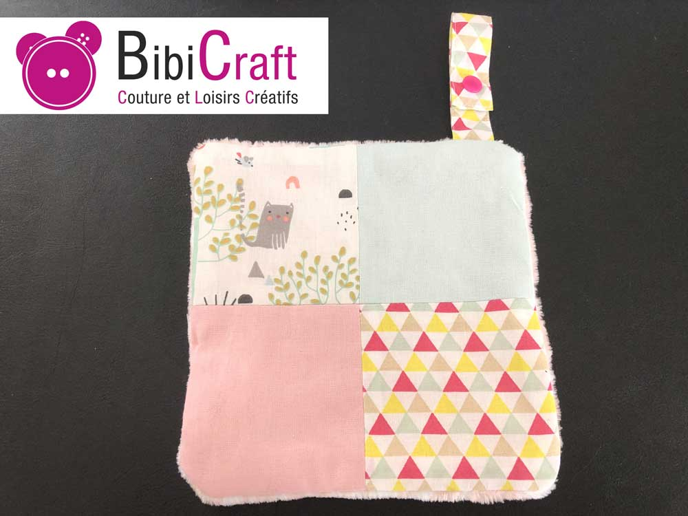 doudou patchwork accroche tetine